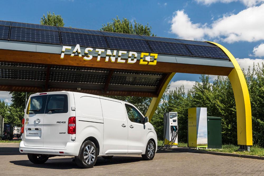Nu-de-Toyota-PROACE-Electric